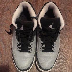 Used Jordan 3 wolf grey men's size 11
